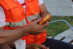 Gorres, sucs, aigua i crema solar per als indigents que viuen al carrer a Girona per combatre l'onada de calor (ACN)