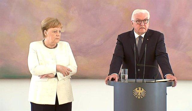 Angela Merkel sufre temblores durante un acto oficial