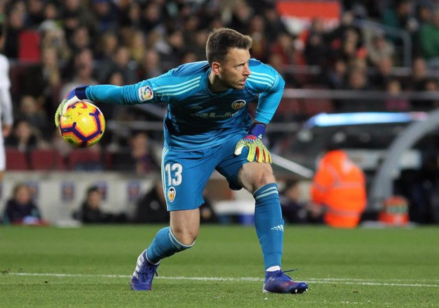 Neto of Valencia in action during La Liga Spanish championship, , football match between Barcelona and Valencia, February 02th, in Camp Nou Stadium in Barcelona, Spain.