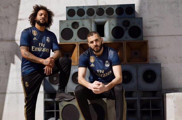 El Real Madrid lucirá el azul oscuro y detalles dorados en su ...
