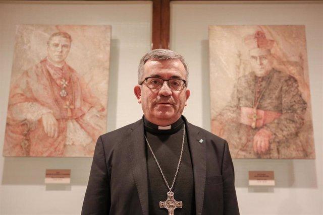 Posado del nuevo secretario general de la Conferencia Episcopal Española (CEE), Monseñor Luis Argüello García.