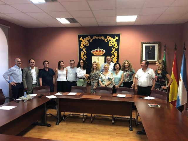Firma del acuerdo entre PSOE y Cs en Alcalá de Guadaíra
