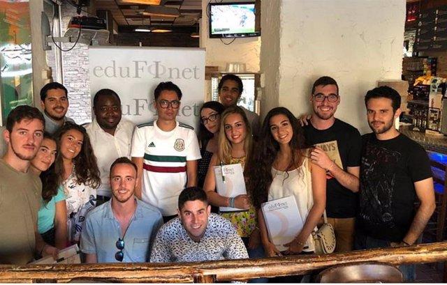 El Proyecto Edufinet de Unicaja analiza la actualidad económica con estudiantes de Erasmus