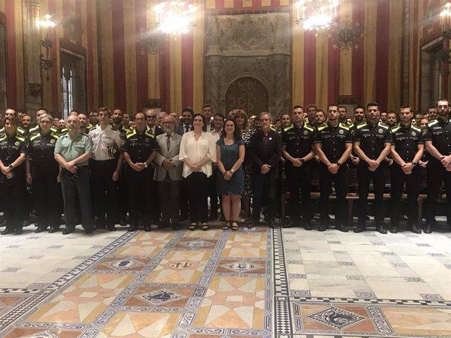Ada Colau da la bienvenida a 139 nuevos agentes de la Guardia Urbana