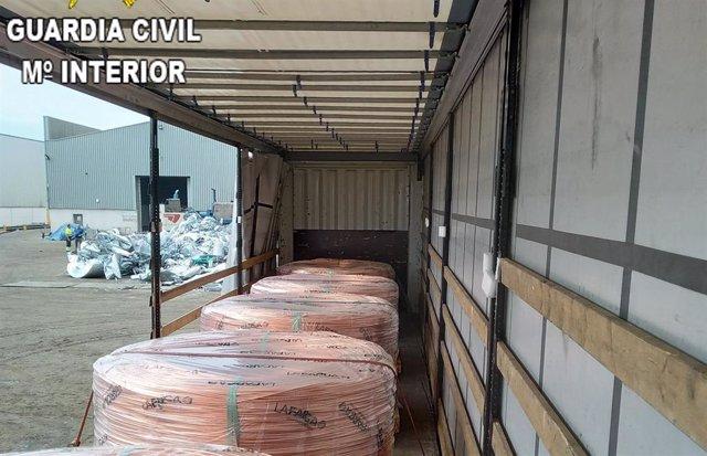Actuación de la Guardia Civil contra el robo de cobre en polígonos de Barcelona y Valencia
