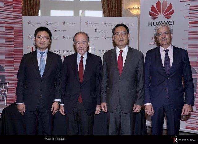 Firma del acuerdo de colaboración entre el Teatro Real y Huawei para fomentar la cultura a través de la tecnología