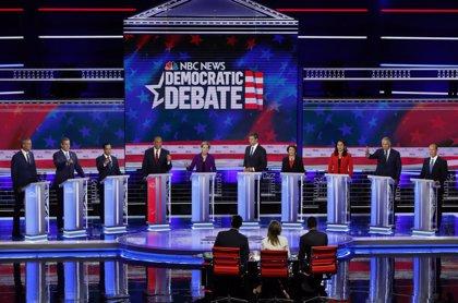 La estrategia del idioma: el español irrumpe en el primer debate a la candidatura demócrata