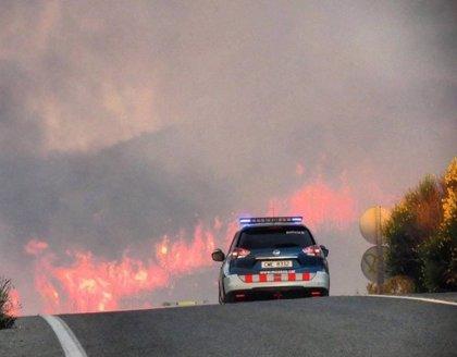 El Gobierno envía 12 medios aéreos al incendio de Torre del Español (Tarragona)
