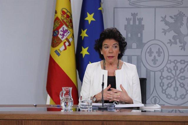 La ministra Portaveu, i d'Educació i Formació Professional en funcions, Isabel Celaá, compareix davant els mitjans de comunicació després de la reunió del Consell de Ministres a La Moncloa.