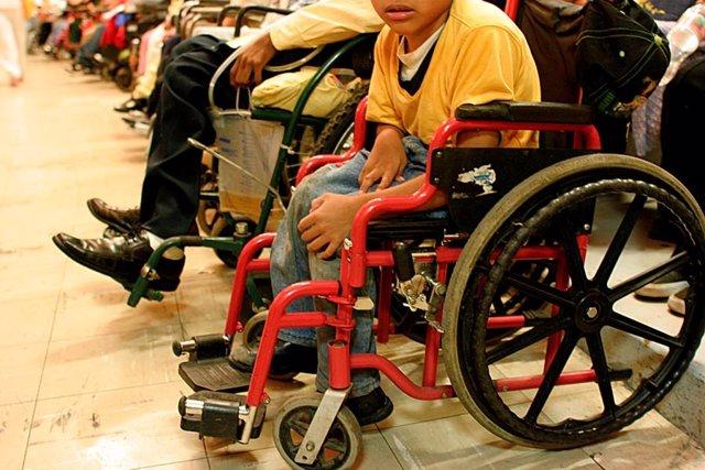 Silla de ruedas, discapacidad, niño