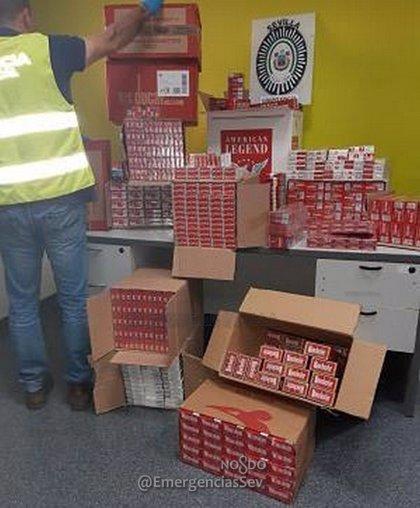Intervenidas casi 4.000 cajetillas de tabaco de contrabando en un local de Sevilla