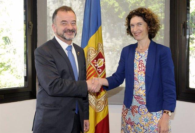 La ministra d'Afers Exteriors d'Andorra, Maria Ubach, i el conseller d'Acció Exterior, Relaciones Institucionales i Transparència de la Generalitat, Alfred Bosch