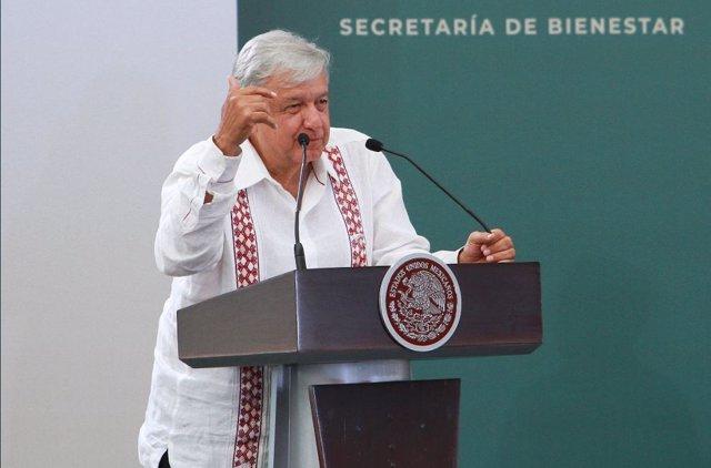 El presidente de México, Andrés Manuel López Obrador (AMLO), durante la entrega de los Programas Integrales del Bienestar.