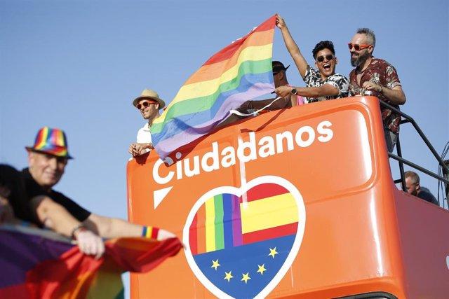 Cabalgata del Orgullo Lgtbi en Sevilla