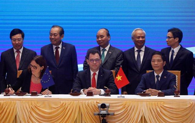Firma del Acuerdo de Libre Comercio UE-Vietnam en Hanói