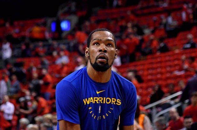 Kevin Durant, antes de un partido con los Golden State Warriors.