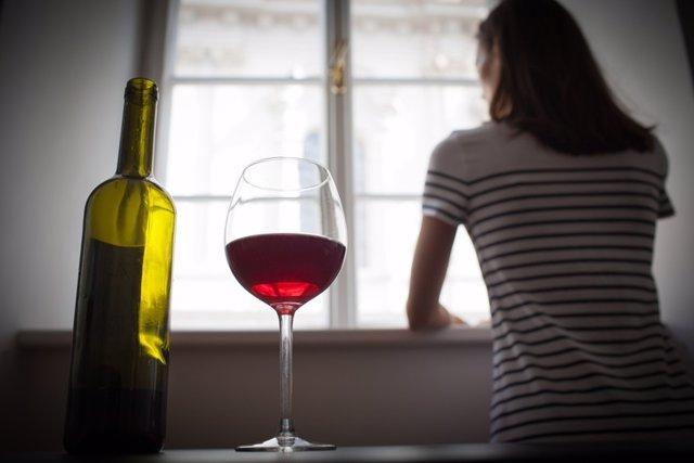 Mujer, bebida, copa de vino