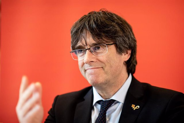 03 June 2019, Hamburg: Catalan separatist leader Carles Puigdemont speaks during a press conference in a hotel complex about the situation in his home country before a panel discussion with Bundestag member Zaklin Nastic of (the Left). Photo: Christian Ch