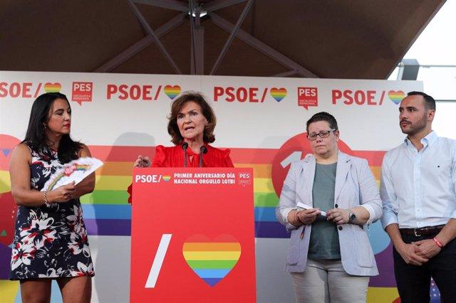 La vicepresidenta del Gobierno, Carmen Calvo, interviene en la celebración del primer aniversario del Día Nacional del Orgullo LGTBI.