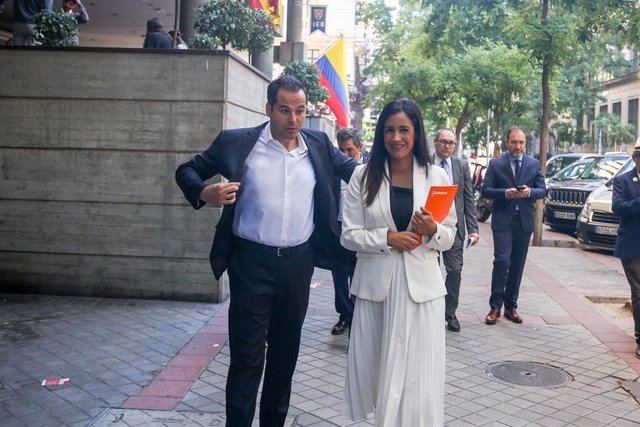 La vicealcaldesa de Madrid, Begoña Villacís, junto al cantidato a presidente de la Comunidad de Madrid del partido, Ignacio Aguado, llegan a la Sesión de constitución del Ayuntamiento de Madrid.