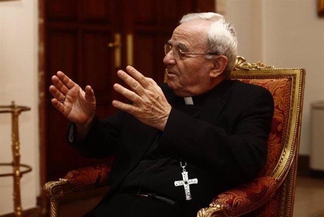 El nuncio del Papa en España, Renzo Fratini, posa en la Nunciatura Apostólica en España tras una entrevista para Europa Press.
