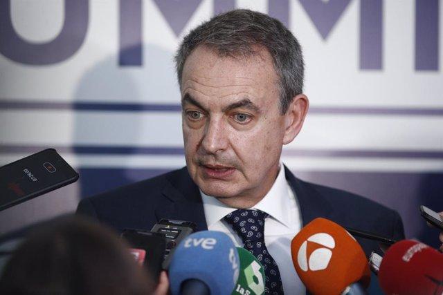 L'expresident del Govern, José Luis Rodríguez Zapatero, atén als mitjans de comunicació després de participar en la I Concrdia Europe - AmchamSpain Summit.