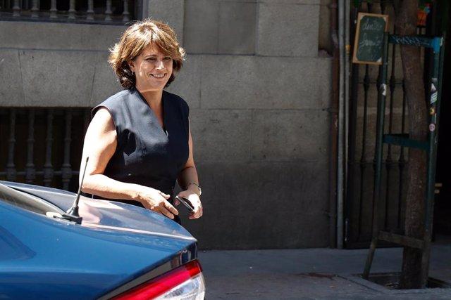 La ministra de Justicia en funciones, Dolores Delgado, a su llegada al Centro de Atención al Ciudadano del Ministerio de Justicia.