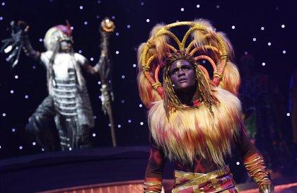 Los salvajes ritmos y colores de El Rey León y El Libro de la Selva toman Disneyland París