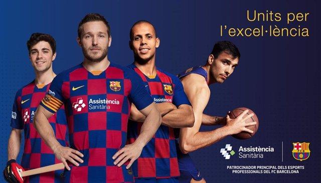 Jugadores de las secciones del Barça --Alabart, Tomàs, Ferrao y Oriola-- con la camiseta del patrocinador Assistència Sanitària