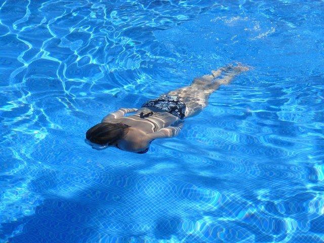 Nadar, natación, bañarse, piscina