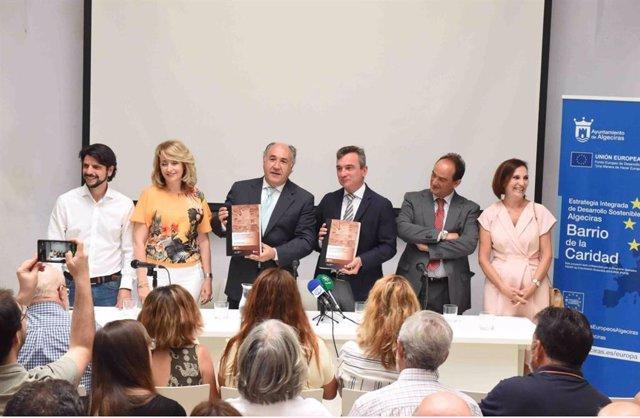 Presentación de la monografía con el alcalde de Algeciras y el rector de la Universidad de Cádiz en el centro