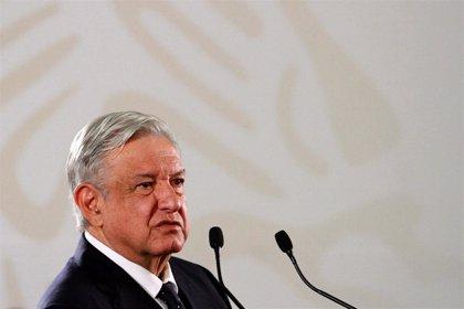 """López Obrador destaca la eliminación de la corrupción y el nepotismo del """"antiguo régimen"""" en su primer año de mandato"""