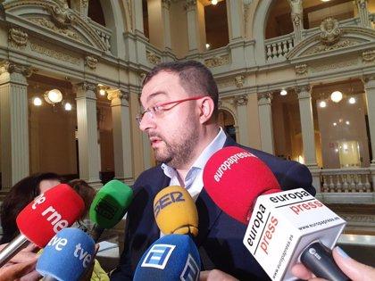 """Barbón (FSA-PSOE) se muestra """"muy molesto"""" por la actitud de la empresa y urge una solución"""