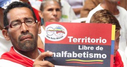 Maduro asegura que Venezuela está libre de analfabetismo gracias a la Misión Robinson de Chávez