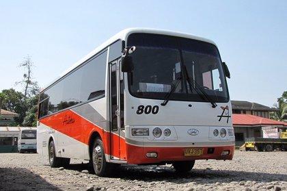 Un autobús sin frenos provoca un brutal accidente tras precipitarse cuesta abajo por una calle en Colombia