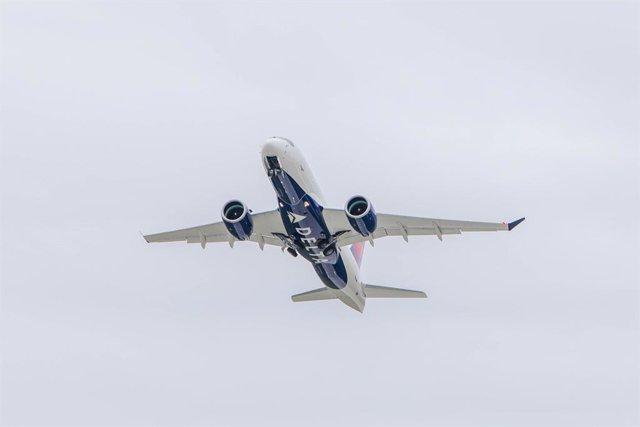 EEUU.- Delta roza los 100 millones de pasajeros en el primer semestre, un 6,1% m
