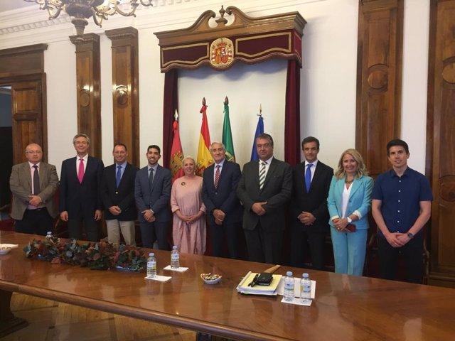 La Comisión Hispano-lusa de Protección Civil analiza la cooperación bilateral ante intendios y otras catástrofes transfronterizas.