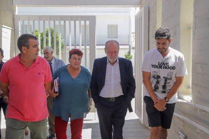 Villalobos y alcaldesa de El Saucejo analizan los próximos proyectos y estudian un tanque de tormentas