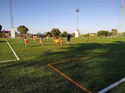 Guillena estrena campo de fútbol de césped artificial con el Plan Supera