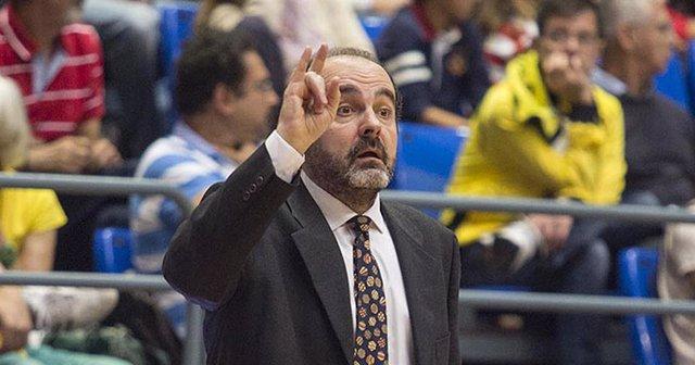 El entrenador de baloncesto Trifón Poch