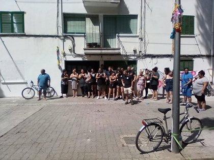 Paralizado un desahucio en Son Gotleu tras una movilización de unas 50 personas