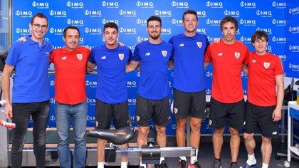 Los jugadores del Athletic pasan su reconocimiento médico deportivo, ante el inicio de la temporada este jueves