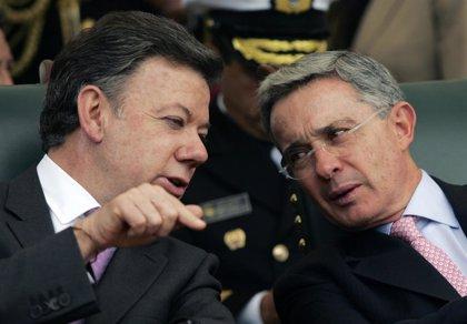 Uribe lamenta haber cedido a Santos el rédito político de la 'Operación Jaque' en su 11º aniversario