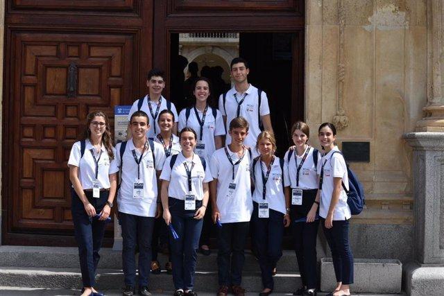 Algunos de los alumnos seleccionados para recorrer las principales universidades europeas durante tres semanas.