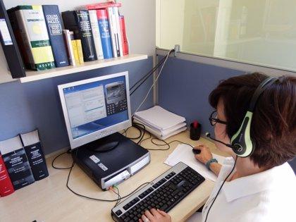 Los intérpretes de Asitel realizan 2.000 llamadas para ayudar a exportar a las empresas aragonesas