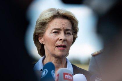 Von der Leyen, una estrecha aliada de Merkel, aspira a ser la primera presidenta de la Comisión Europea