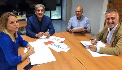 Torres cierra el nuevo Gobierno y distribuye Hacienda a NC, Derechos Sociales a Podemos y Turismo e Industria a ASG