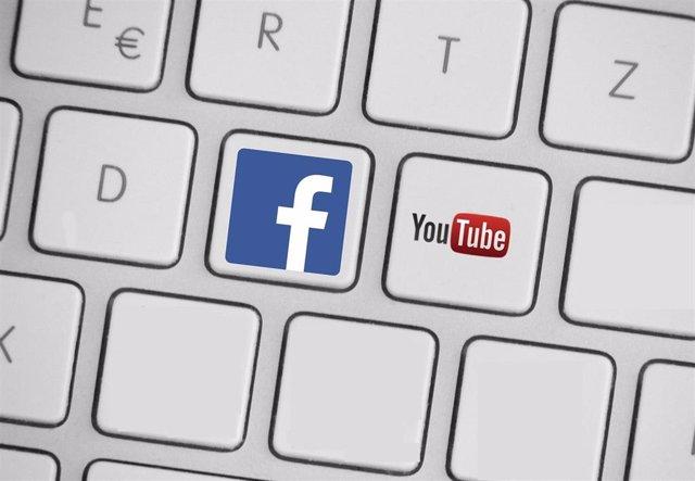 Logos de YouTube y Facebook, imagen de recurso