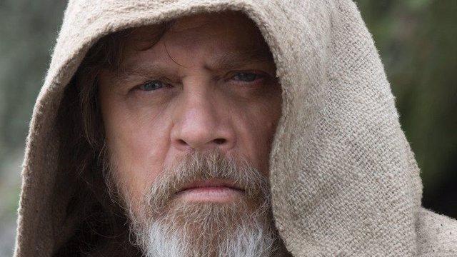 Fotograma de 'Star Wars VIII: Los últimos jedi' con Mark Hamill como Luke Skywalker