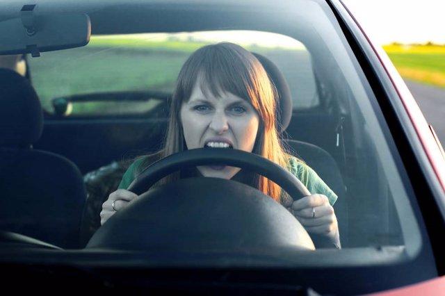 Conductora, estrés, volante